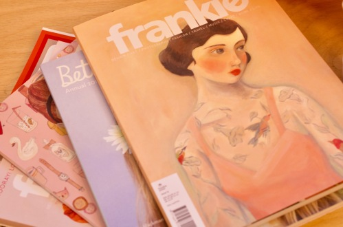 #YouCanSitWithUsLdn - Frankie, Betty magazines - Champagne Twist