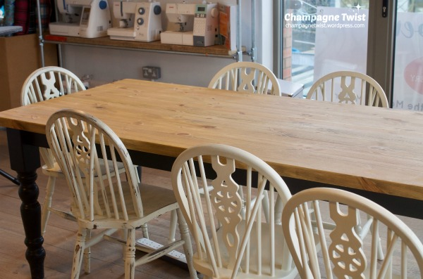 vh-table-chairs